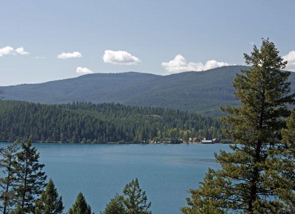 A beautiful blue-green lake.